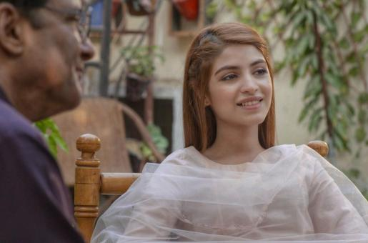 Gul O Gulzar, Episode 19:  Saboor Aly's Gul Acts on Her Threats and Exposes Adil to His Wife