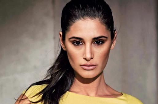 Nargis Fakhri Gets Rid of Her Stage Fright by Doing Stand-up Comedy for the First Time