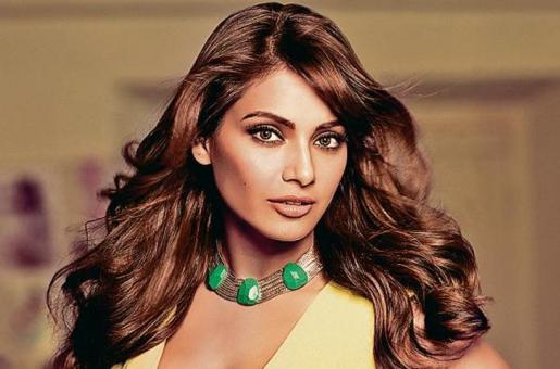 Bipasha Basu Feels She Was Welcomed Into Bollywood With Open Arms