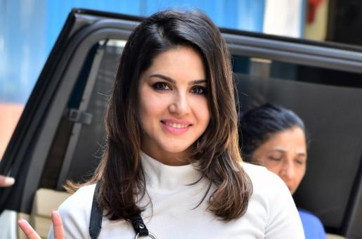 Sunny Leone Shares 'Mein Bhul Gayi' Moment From The Dance Rehearsals