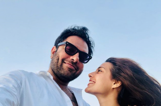 Yasir Hussain is Proud of Iqra Aziz for Turning Down a Fairness Cream Advertisement