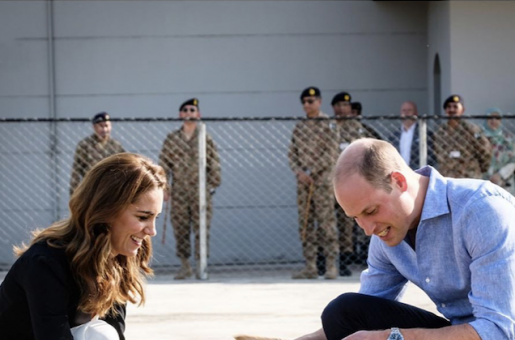 Prince William and Kate Middleton in Pakistan: The Royal Couple Spent the Last Part Of Their Visit With Dogs At Army Canine Centre
