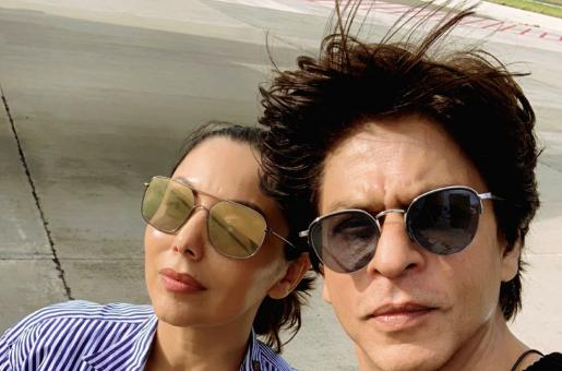 Maharashtra Election 2019: Shah Rukh Khan Seen with Wife Gauri Khan at the Polling Booth