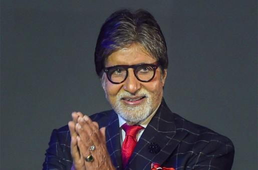 Amitabh Bachchan Apologizes for Not Being Able to Show Up for Fans Outside 'Jalsa'