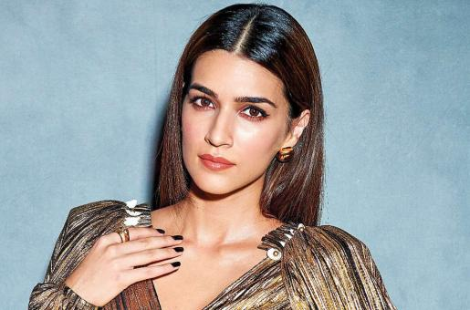 Kriti Sanon to be Roped in for Satte Pe Satta Remake? Find Out Details Here!