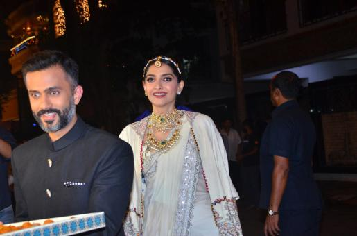 Sonam Kapoor Accentuates her Diwali Look with Jewels, Jewels and More Jewels