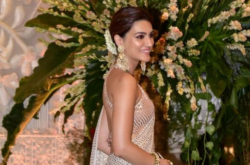 Kriti Sanon roped in for Bachchan Pandey opposite Akshay Kumar