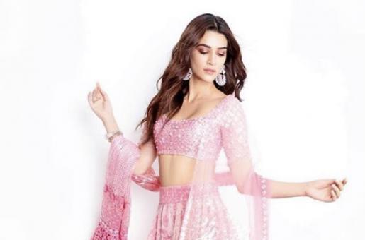 Kriti Sanon Turns Poetess in Lockdown