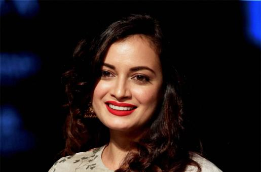 Kobe Bryant Demise: Dia Mirza Bursts into Tears at Jaipur Literature Festival. Watch Video