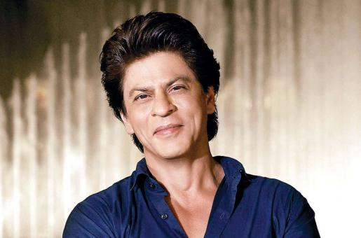 Shah Rukh Khan Expresses His Love to a Young Fan
