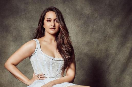 Sonakshi Sinha Comes Out in Support of Deepika Padukone Amid JNU Participation Backlash