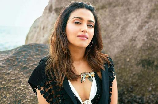Swara Bhaskar's Video of Using Abusive Words for 4-Year-Old Child Actor Has Gotten #Swara_aunty Trending Like No Other