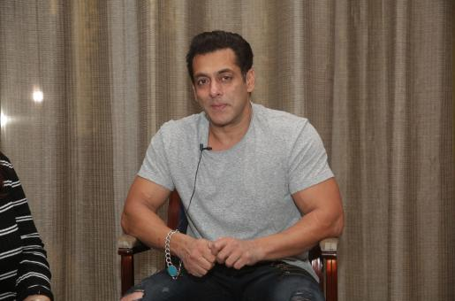 Salman Khan in Dubai for Dabangg Tour Reloaded Alongwith Other Stars
