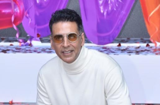 Akshay Kumar Reveals Having Fever During Good Newwz Song Shoot