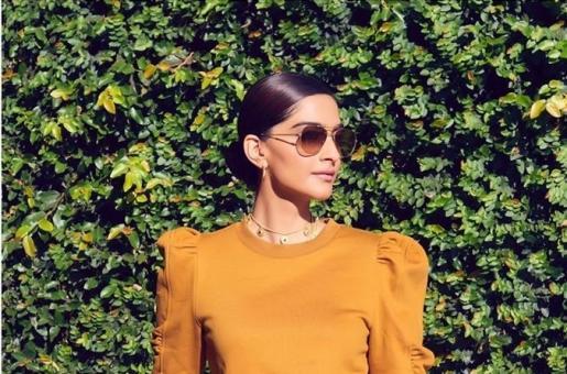 Sonam Kapoor Makes Full Use of LA Sun for Sun-Kissed Photographs