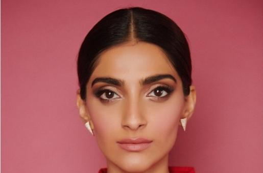 Sonam Kapoor Paints the Town Red Giving Major The Zoya Factor Vibes