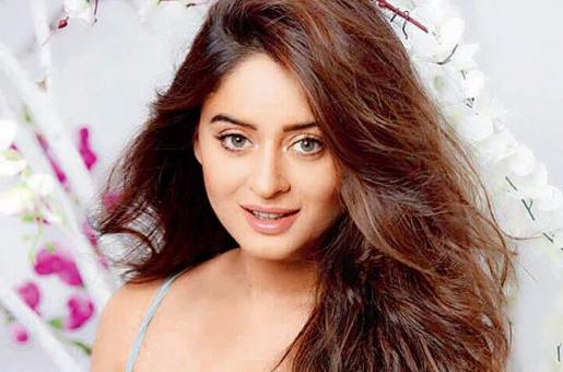 Mahhi Vij's Body Shaming Experience Makes Us Look Back to 7 Bollywood Actresses Who Have Spoken Up About It!