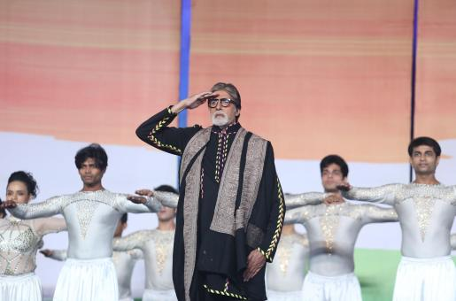 Amitabh Bachchan to Deepika Padukone: Bollywood Celebrities Make Some Noise to Participate in 'Janta Curfew'