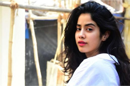 Janhvi Kapoor's Latest Pic is Proof that Hard Work at the Gym Pays Off
