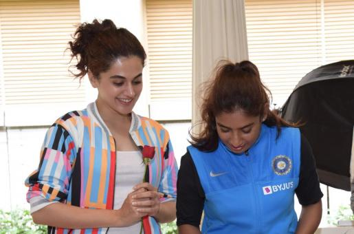 Taapsee Pannu To Play Cricketer Mithali Raj