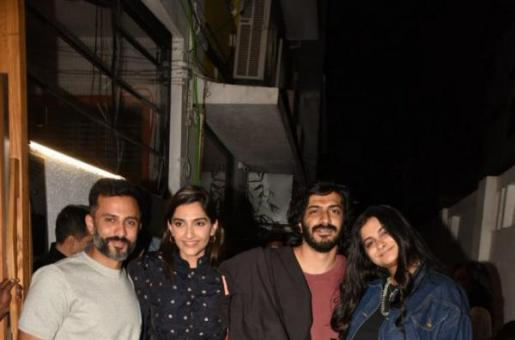 Sonam Kapoor, Anand Ahuja Head Out for Dinner with the Family