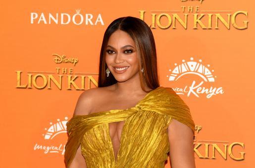 Beyonce Slays In A Bodycon Dress, Twice!