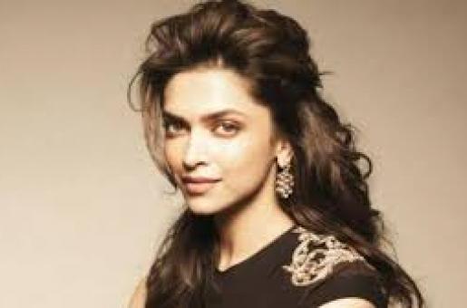 Deepika Padukone Not Starring Opposite Ranbir Kapoor, THIS Actor Will Replace Her