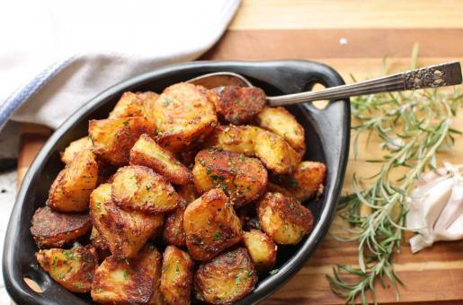 Christmas Dinner: Roast Potatoes