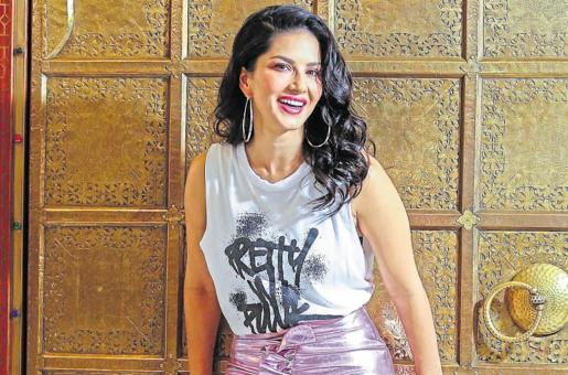 Sunny Leone in Dubai: Actress Shares Ice Skating Video From Her Trip to the Emirate