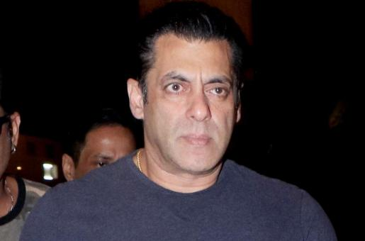 Caught on Camera: Salman Khan SNATCHES Fan's Phone