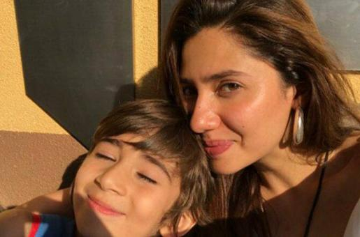 "Mahira Khan's Son Azlan Teaches Us About the ""Extraordinary Moments"" of Life"