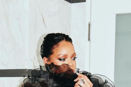 Rihanna Confirms Recording New Music and Fans Can't Handle It