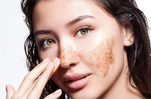 Exfoliate Your Skin: This Is How You Should Do It