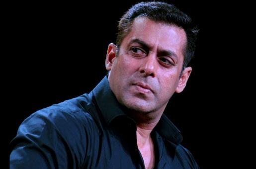 Salman Khan Shows Off Some Muscle as Fan Watches in Awe
