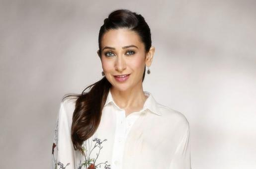 Karisma Kapoor: Here's How The Actress Rocked a Pair of Boyfriend Jeans