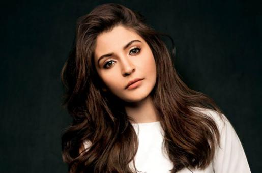 Anushka Sharma Proves Less Is More In Latest Latest Look