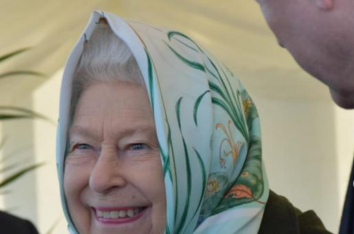 Queen Elizabeth II Continues Her Weekly Audience With Boris Johnson, But on Phone This Time