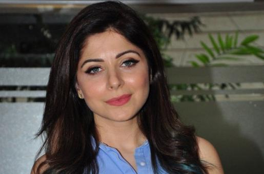 Coronavirus in Bollywood: Kanika Kapoor Removes Her COVID-19 Post from Instagram