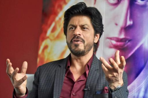 Shah Rukh Khan Latest Selfie Shows Isolation is Working For Him