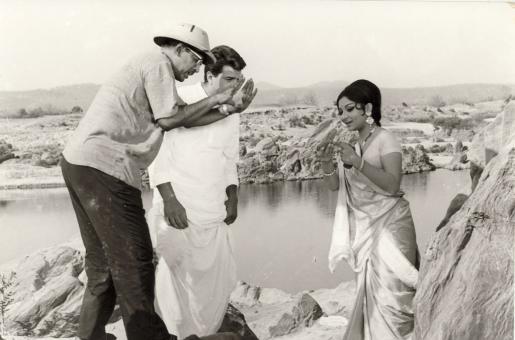 When Hrishikesh Mukherjee's Film Got Shelved - Blast from the Past