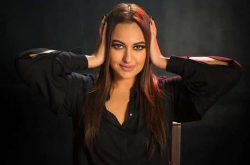 Shatrughan Sinha Lashes Out: 'Anyone Who Thinks Sonakshi Sinha Will Shoot During a Lockdown Needs a Reality Check