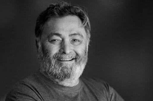 RIP Rishi Kapoor: Actor's Ashes Immersed by Ranbir Kapoor and Neetu Kapoor in Mumbai