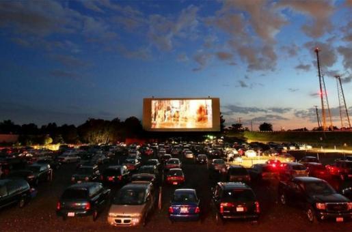 Drive-In Cinemas: New Trend in UAE