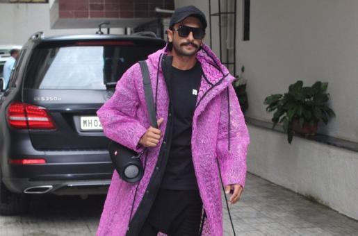 Ranveer Singh Sure Loves Hot Pink: See Pics