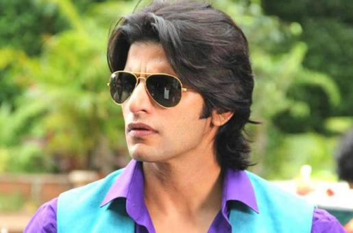 "Karanvir Bohra Defends Himself: ""I Am A Hindu and Proud To Be One"""
