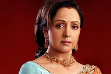 When Manoj Kumar Requested Hema Malini To Save His Career - Blast from the Past