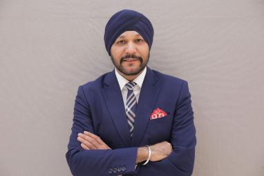 Plan B Group to Hold Sikh Awards in Dubai; Dr Manmohan Singh May Attend