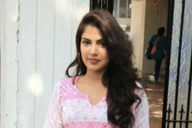 CBI questions Rhea Chakraborty for 10 hours