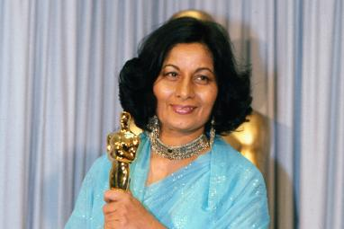Bollywood pays tribute to India's first oscar winner, Bhanu Athaiya following her death