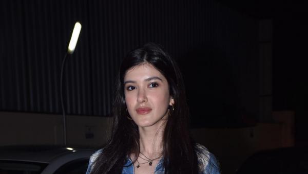 Shanaya Kapoor Sports Laid Back Look